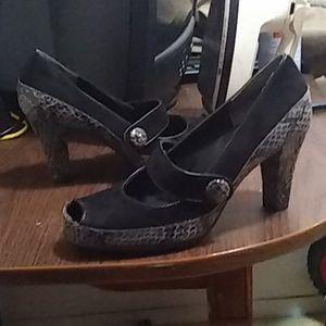 High heel pump 2 1/2 inch